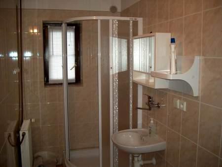 Malý apartmán, koupelna